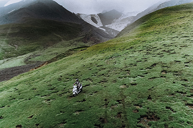 First brand of electric bicycle to completeall terrain riding of Kunlun Mountain